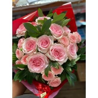 Bouquets de roses pastels
